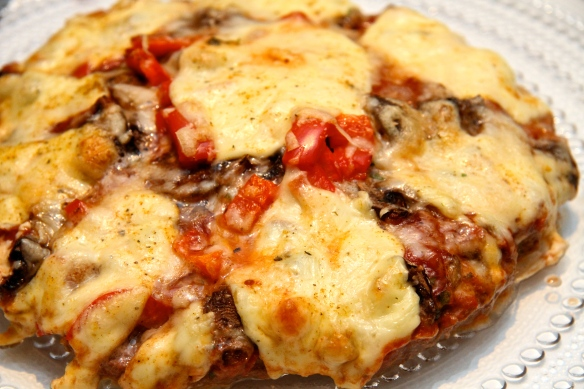 Pizza með nautahakksbotni